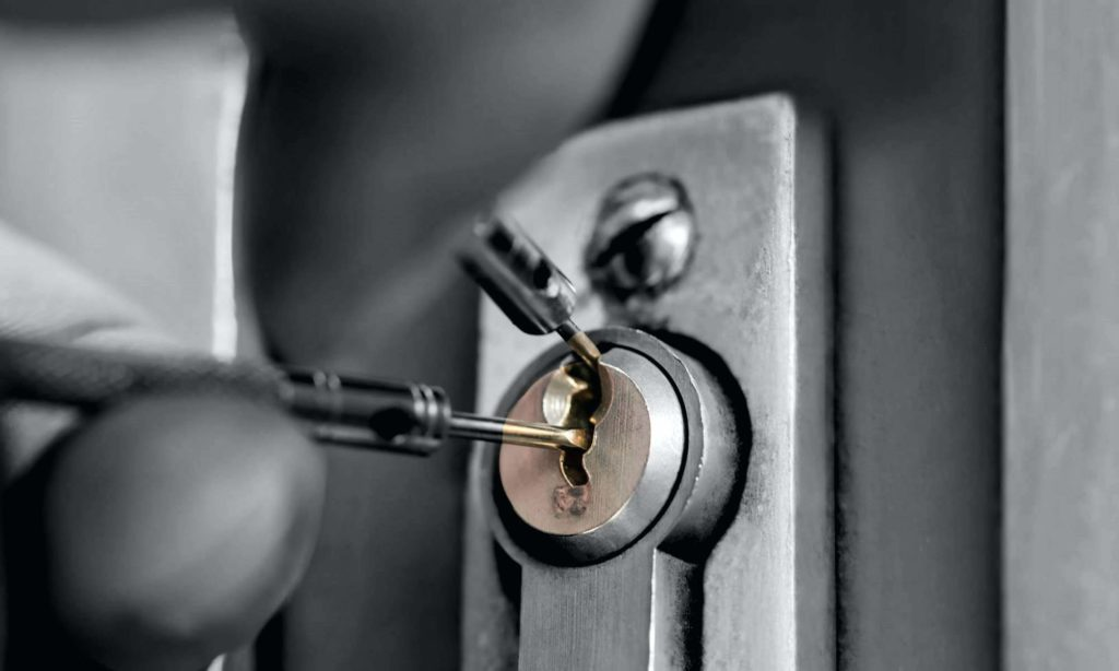 Philly home locksmith, Philadelphia residential locksmith, stuck locks Philly